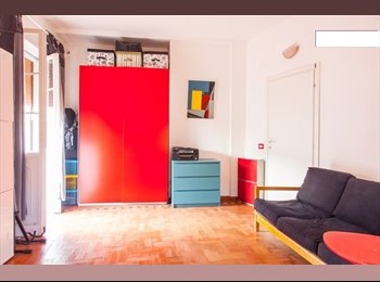 EasyStanza IT - Stanza in attico con 70mq di terrazzo - S.Giovanni - Appia Nuova, Roma - €420