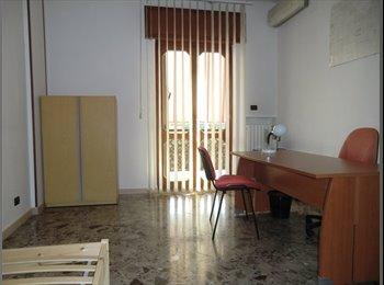 EasyStanza IT - Stanza singola - ipercoop/polivalente - Bari Centro, Bari - €250