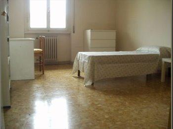 EasyStanza IT - camera singola per studentessa dal 16 dicembre - Alberti - Bellariva, Firenze - €350