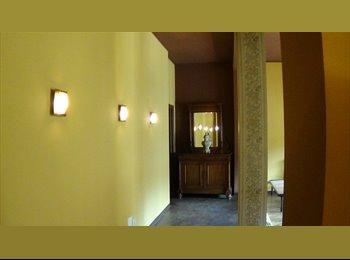 EasyStanza IT - Affitto 3 posti letto per studenti via Caminadella - Milano Centro, Milano - €300