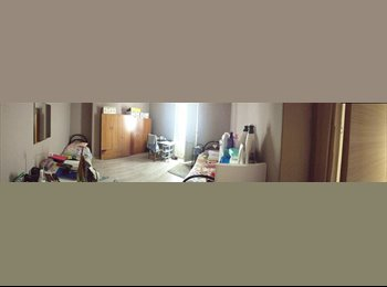 EasyStanza IT - Ampia stanza luminosa con balcone disponibile posto letto - Bari Centro, Bari - €200