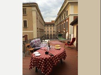 EasyStanza IT - Affitto stanza singola - Centro (2 Torri - Rizzoli - Bassi - Farini), Bologna - €400