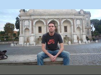 EasyStanza IT - Thomas - 22 - Roma