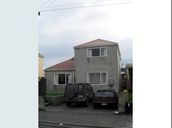 NZ - Hyde St flat seeks one more flatmate - Dunedin North, Dunedin - $585