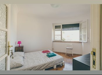 EasyQuarto PT - BEDROOM W/ PRIVATE BATHROOM - Graça, Lisboa - €300