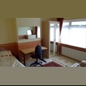 EasyRoommate UK Double room to let for a professional - Mitcham - Croydon, Greater London South, London - £ 433 per Month - Image 1