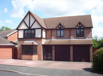 EasyRoommate UK - Double Bedroom in Friendly Houseshare - Worcester, Worcester - £433