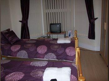 EasyRoommate UK - Room to Rent - Aintree Village, Liverpool - £350