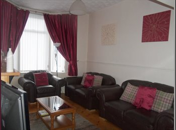 EasyRoommate UK - 2 Double bedrooms to rent in Spacious Townhouse! - Kirkdale, Liverpool - £260