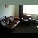 EasyRoommate UK Comfortable 3 bed flatshare in west end, parking - Glasgow Centre, Glasgow - £ 350 per Month - Image 1