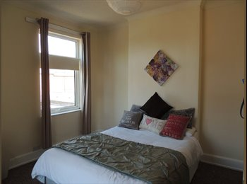 EasyRoommate UK - Lovely large double dual aspect room in Stirchley - Stirchley, Birmingham - £350