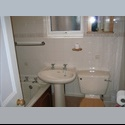 EasyRoommate UK Nice Room near town Centre in female only house - Luton, Luton - £ 320 per Month - Image 1