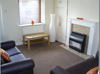 EasyRoommate UK - THREE BED TOWN CENTRE TERRACED HOUSE - Lancaster, Lancaster - £282