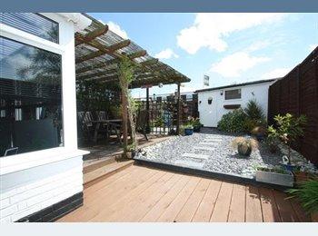 EasyRoommate UK - Single room to let, very nice, friendly house. - Farnborough, Hart and Rushmoor - £350