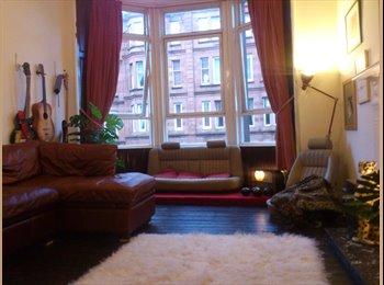 EasyRoommate UK - Spacious sunny 1 bed flat £400 some bills inc - Govan, Glasgow - £400