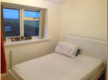 EasyRoommate UK - Lovely Double Room to rent - Old Micklefield, Leeds - £400