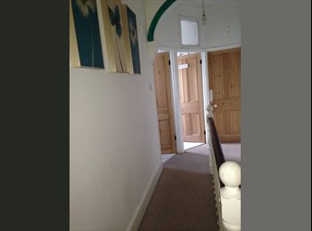EasyRoommate UK - AVAILABLE NOW - Beacon Heath, Exeter - £370