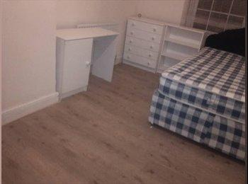 EasyRoommate UK - Quality Student Accomodation - Broomhill, Sheffield - £260