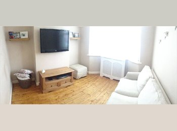 EasyRoommate UK - Double room to rent in Cheylesmore - Cheylesmore, Coventry - £400