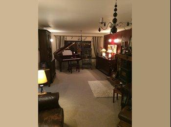 EasyRoommate UK - luxury double room - Holmewood, Chesterfield - £400