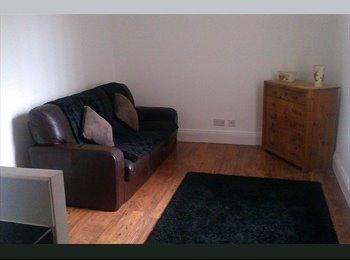 EasyRoommate UK - Bedeburn Road - Jarrow, South Tyneside - £300