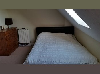 EasyRoommate UK - Large Double Room available near Airport - Guernsey, Guernsey - £650