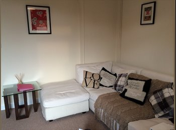 EasyRoommate UK - professional Rooms to let west parade - Lincoln, Lincoln - £95