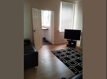 EasyRoommate UK - Town center property rooms to let - Crosby, Scunthorpe - £368