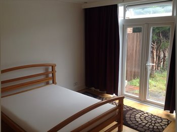 EasyRoommate UK - NEWLY REFURBISHED HOUSE - ALL BILLS INCLUDED - Chadwell Heath, London - £450