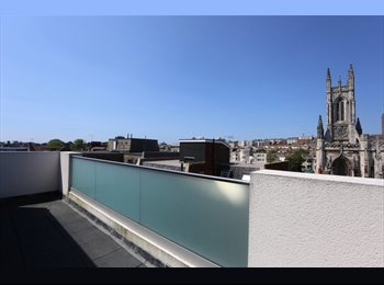 EasyRoommate UK - Double room in modern, clean, bright flat - Brighton, Brighton and Hove - £575