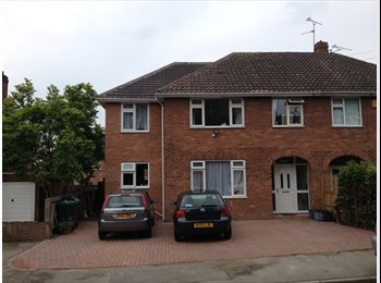 EasyRoommate UK - New refurb CH1, close to city centre - Chester, Chester - £500