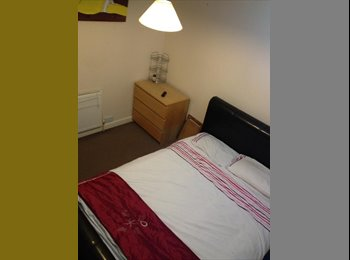 EasyRoommate UK - **Double room to rent near Warwick Uni** - Tile Hill, Coventry - £380