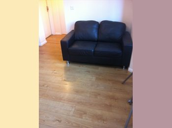 EasyRoommate UK - New Built 1 Bedroom Fully Furnished Apartment - Booker, High Wycombe - £625