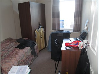 EasyRoommate UK - Single Room Available (CC): 30/08/15 - 30/08/16 - Newcastle City Centre, Newcastle upon Tyne - £390