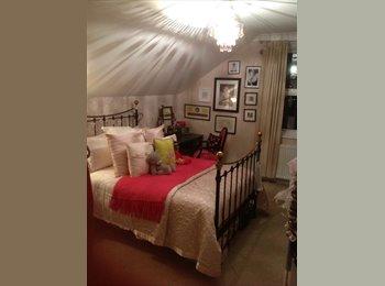 EasyRoommate UK - Double room available from mid December - Tunbridge Wells, Tunbridge Wells - £450