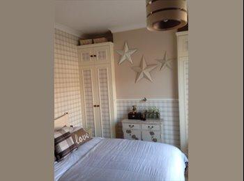 EasyRoommate UK - Large furnished double room all inc - New Bradwell, Milton Keynes - £400