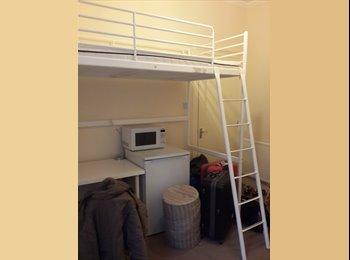 EasyRoommate UK - Ensuite room in a house share (Tottenham Hale) - Tottenham, London - £700