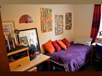 EasyRoommate UK - Room available in Newington - Newington, Edinburgh - £438