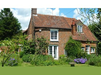 EasyRoommate UK - Gorgeous Rooms in Luxury House Share - Stokenchurch, High Wycombe - £595