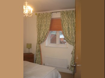EasyRoommate UK - 2 Double Rooms one en-suite - Braintree, Braintree - £450