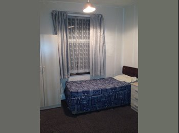 EasyRoommate UK - Rooms to Rent, Radford, Coventry - Radford, Coventry - £238