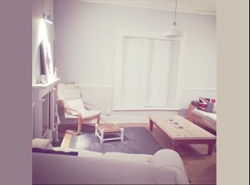 EasyRoommate UK - Beautiful double room to rent in PENARTH £390 - Cardiff City, Cardiff - £300