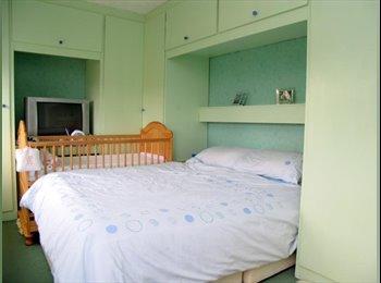EasyRoommate UK - double room to rent (couple welcome) - Acomb, York - £200