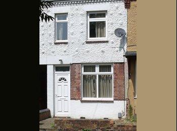 EasyRoommate UK - Double Room in Good Residential Area - Peterborough, Peterborough - £290
