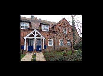 EasyRoommate UK - Room to rent. - Woodley, Reading - £660