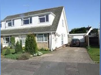 EasyRoommate UK - Large furnished bedroom in modern property - Parkstone, Poole - £450