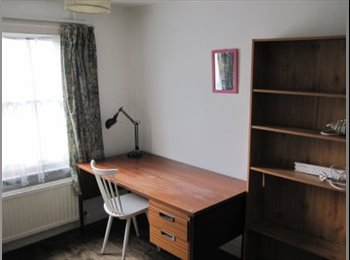 EasyRoommate UK - Single room, would suit a student - Cambridge, Cambridge - £295