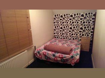 EasyRoommate UK - Single room to let - Feltham, London - £450