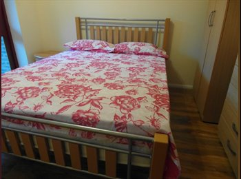 EasyRoommate UK - beautiful double room with private bathroom - Tower Hamlets, London - £736