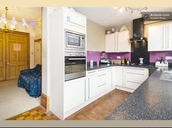 EasyRoommate UK - Double Room Let in Homely Islington Town House - Islington, London - £688
